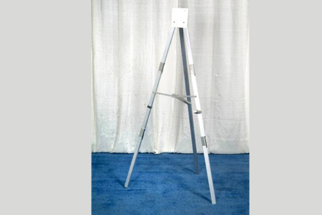Where to find Easels - Metal in Fresno